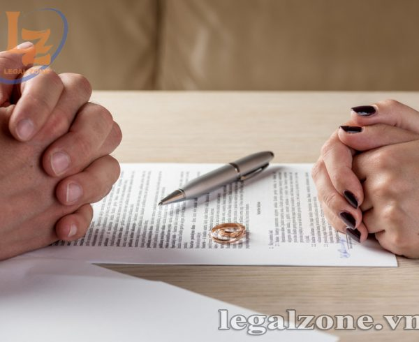 thuê luật sư giải quyết ly hôn